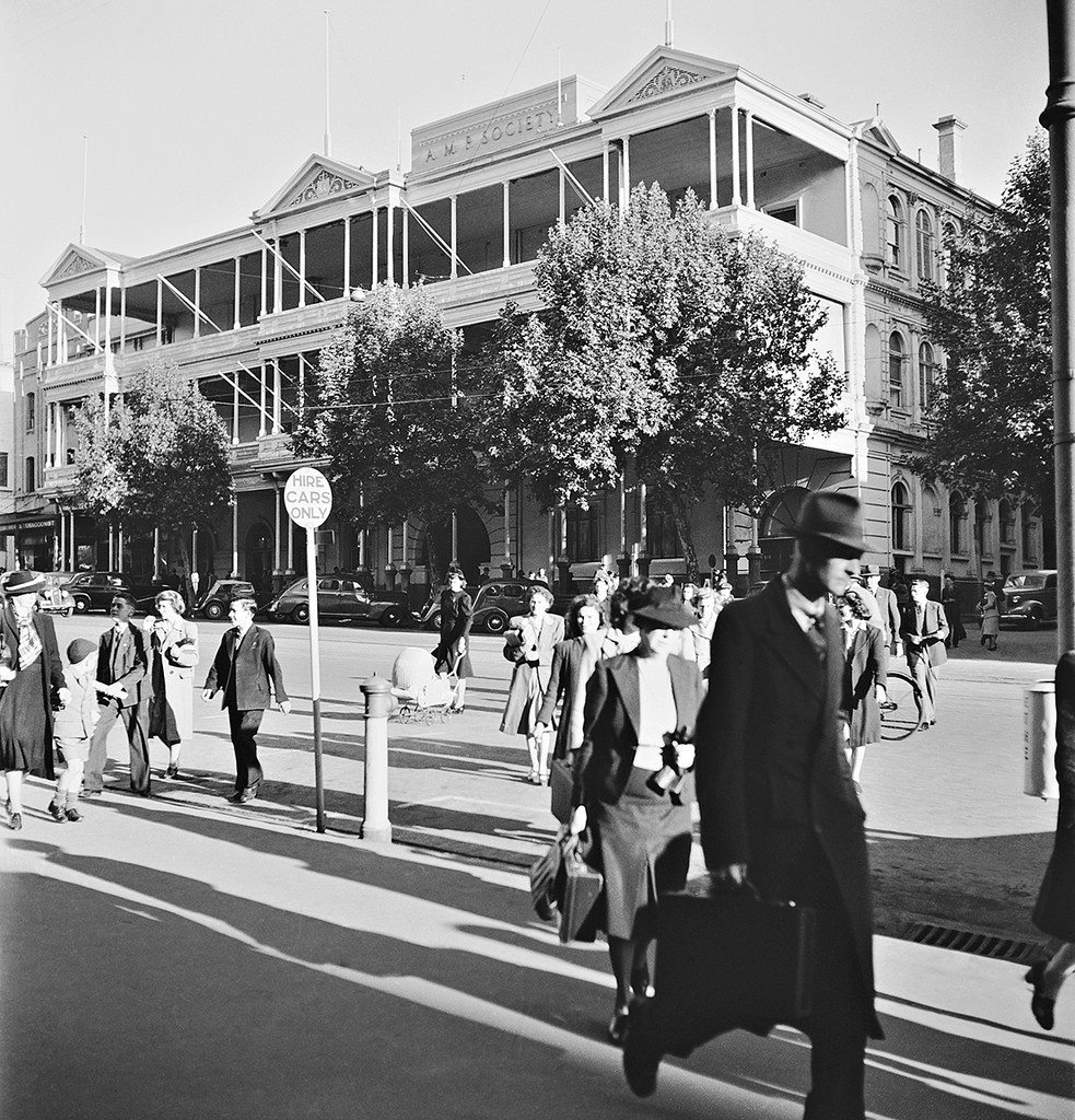 Photo from the State Library of SA. The South Australian Hotel at the very height of its fame. Photo by Max Dupain, taken in the early 1950s